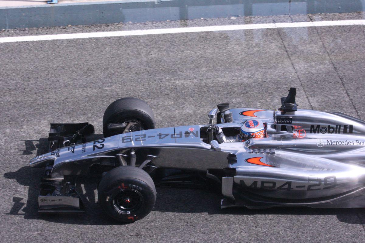 A Red Bullt lenullázta a technika Jerezben: Button nyerte a második napot Raikkönen és Bottas előtt