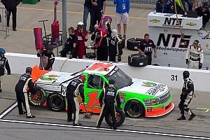 NASCAR BRÉKING Ez kemény: elütötte a szerelőt a bokszutcában