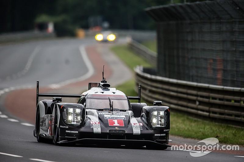 Porsche al frente en el inicio de Le Mans