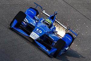 IndyCar Репортаж з практики Тоні Канаан виграв першу практику в Айові