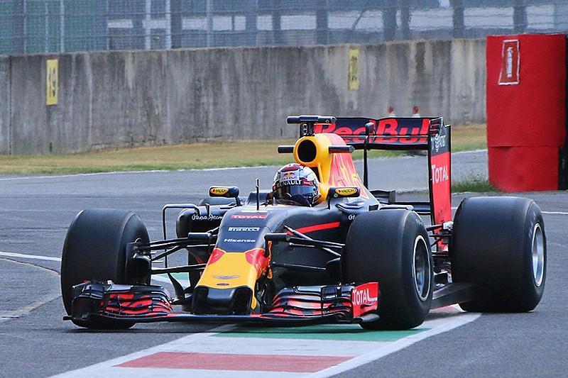 Red Bull продовжує програму тестів шин 2017 року
