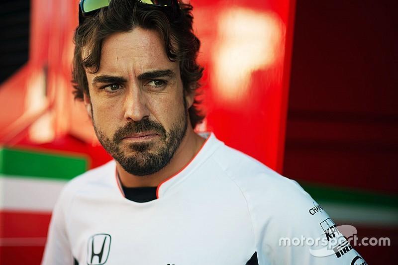 Fernando Alonso krijgt gridstraf na motorwissel