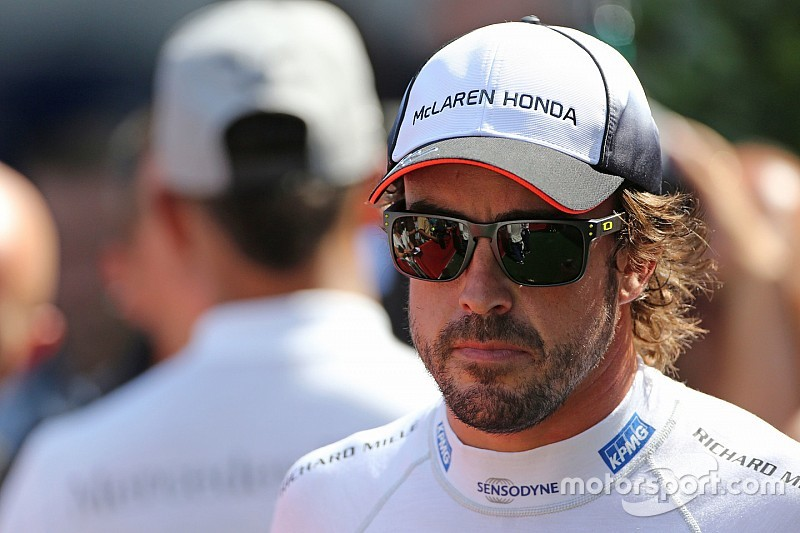 Hamilton: Bukan sesuatu hal yang baik untuk F1 jika Alonso pensiun