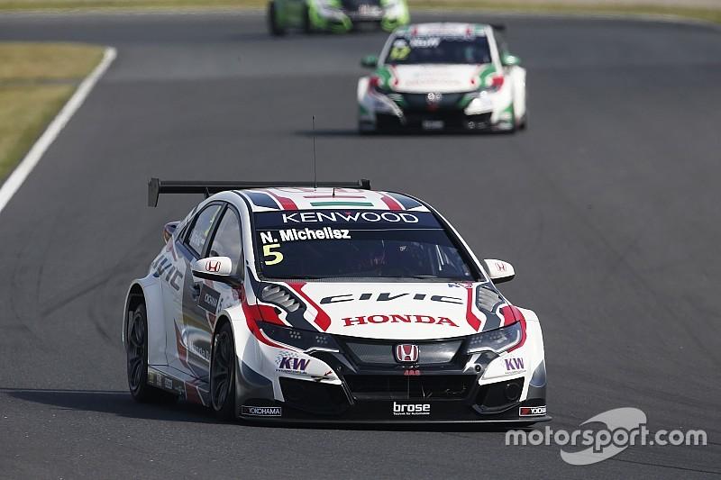 Michelisz lidera un 1-2-3 de Honda en la primera carrera