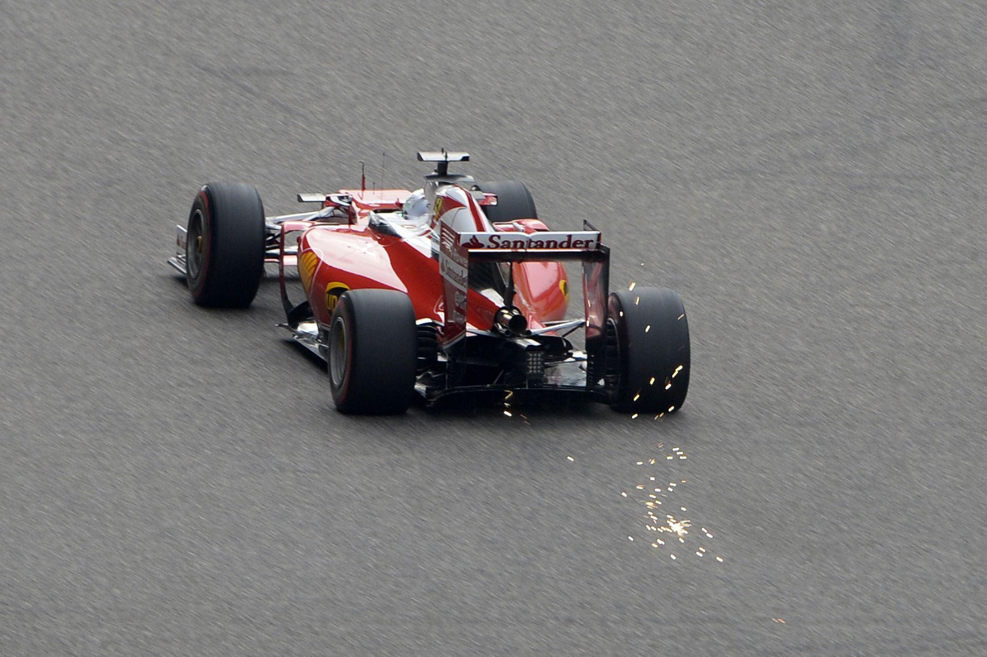Pérez kameranézetéből a drámai jelenet, ahogy Vettel nekimegy Raikkönennek