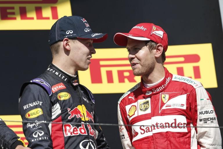 Kvyat Vettellel és Räikkönennel beszélgetett Monacóban - az orosz látszólag visszafogta magát!