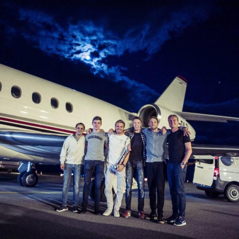 Hazafelé is szép társaság verődött össze: Massa, Rosberg és a többiek