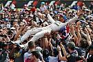 GP Inggris: Hamilton menang; Penalti Rosberg mempromosikan Verstappen