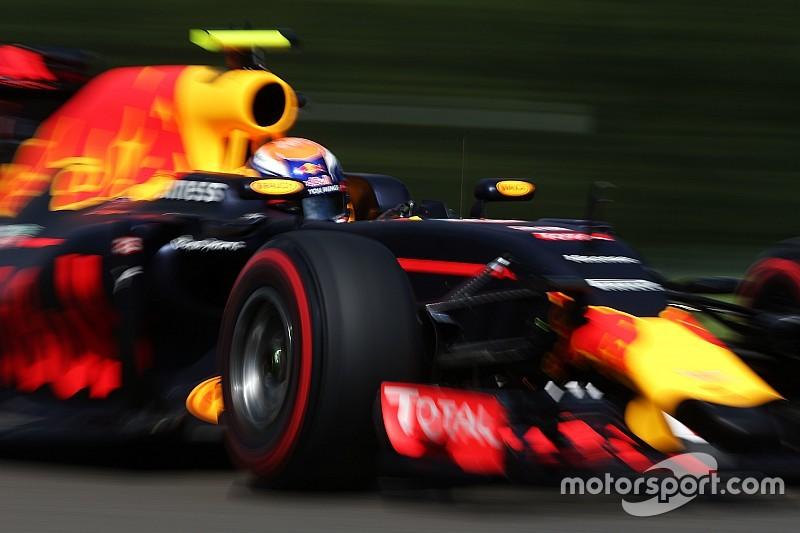Verstappen begint Formule 1-weekend in Singapore met snelste tijd