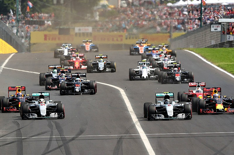 Las salidas pueden decidir el título, dicen Hamilton y Rosberg