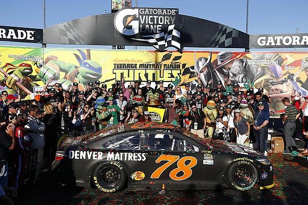 NASCAR Cup Dank letzter Gelbphase: Martin Truex Jr. gewinnt Chase-Auftakt in Chicago