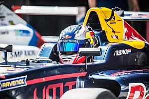 Formule 4 Nieuws Opnieuw hattrick voor Richard Verschoor: