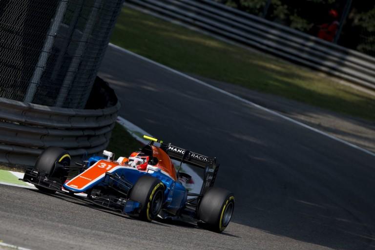 Ocon nem finomkodik: egy belevaló F1-es újonc?