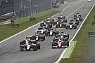 Amatőr videón a monzai start: a két Ferrari előre tör, Hamilton KO