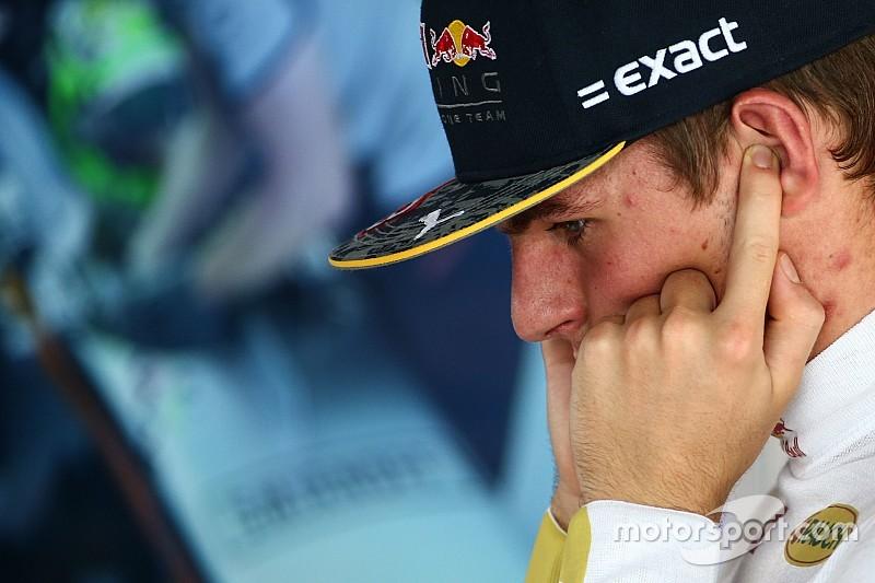 Verstappen tuvo que aclarar a Whiting su maniobra ante Hamilton