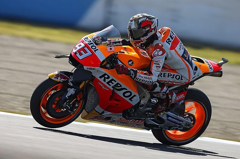 Marquez gewinnt Rennen & WM – Rossi & Lorenzo stürzen