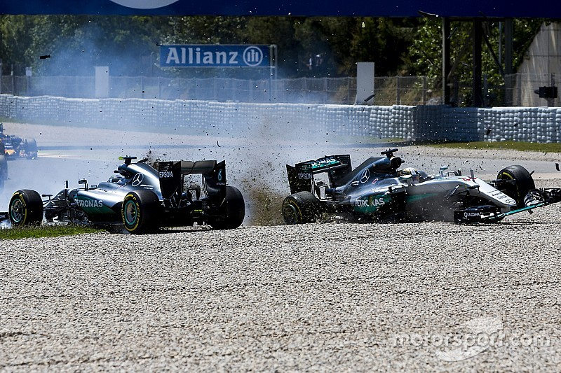 In Bildern: Der Mercedes-Crash Hamilton vs. Rosberg in Barcelona