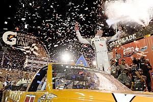 NASCAR Truck Relato da corrida Suarez vence primeira na Truck Series; final está definida