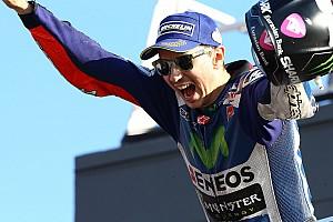 MotoGP Relato da corrida No adeus à Yamaha, Lorenzo vence em Valência; Rossi é 4º
