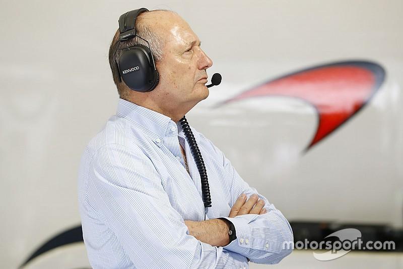 Ron Dennis deja McLaren