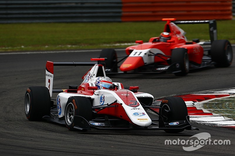 GP3 Abu Dhabi: Albon opent met beste tijd, De Vries vijfde