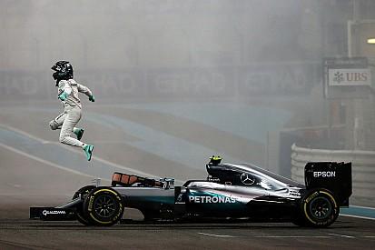 """Champion du monde, Rosberg est """"fier d'avoir imité"""" son père"""
