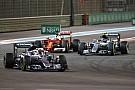 Vettel megérti Hamilton taktikáját: mindenki maga dönti el, mit csinál