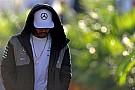 Хэмилтон прервал тесты в Абу-Даби из-за плохого самочувствия