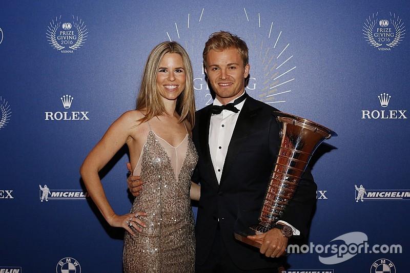 Rosberg diz que seguiria na F1 se não tivesse sido campeão