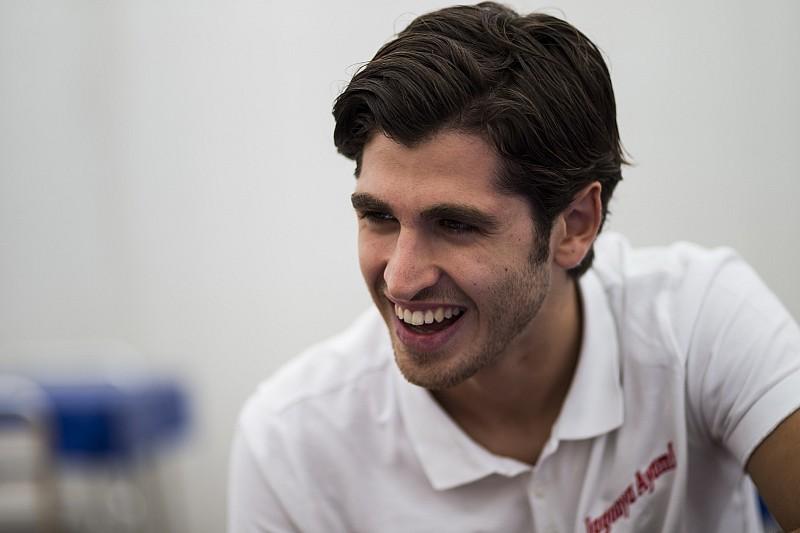 Ferrari подтвердила подписание контракта с Джовинацци