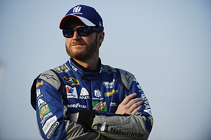 Top de historias 2016, #12: Dale Jr, su accidente y el regreso de Gordon