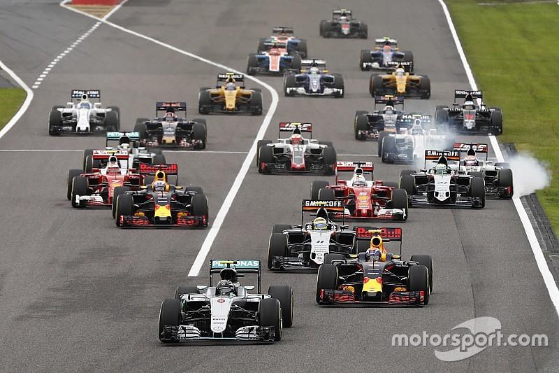 """Regulamento híbrido da F1 é """"jogada de marketing"""", diz Newey"""