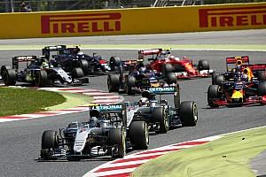 Формула 1 Новость В Pirelli пообещали помочь гонщикам с обгонами