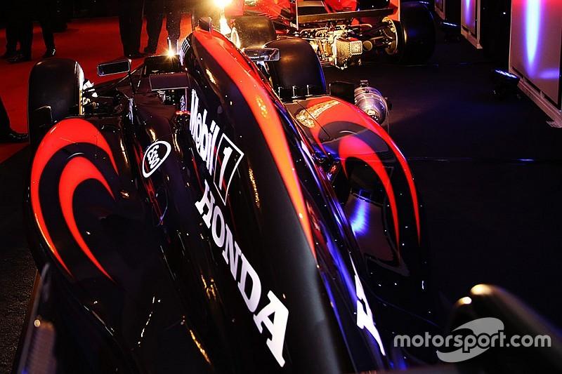 El McLaren MP4-32 supera los crash test