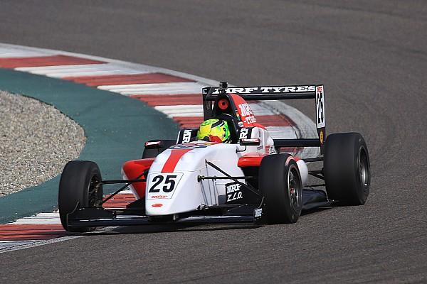 MRF - Mick Schumacher gagne deux fois, puis s'accroche