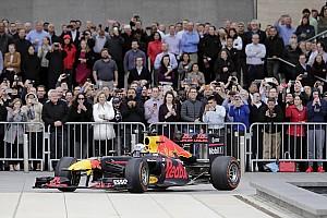 Fórmula 1 Artículo especial Galería y vídeo: Así fue la exhibición de Red Bull en Houston