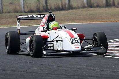 MRF Challenge: Newey ismét nyert, Schumacher ütközött