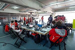 WTCC BRÉKING WTCC: színváltás és újra magyar mérnök Michelisz mellett