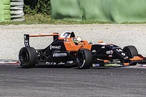 Formula Renault Gara Aubry centra la vittoria in Gara 3 dopo la penalità a Fenestraz