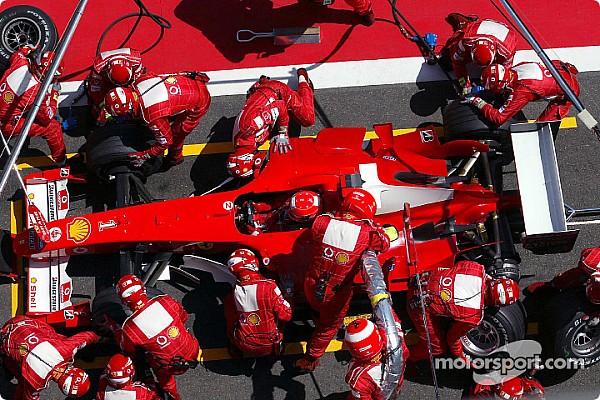F1 Hace 13 años Michael Schumacher ganaba con cuatro paradas en pits