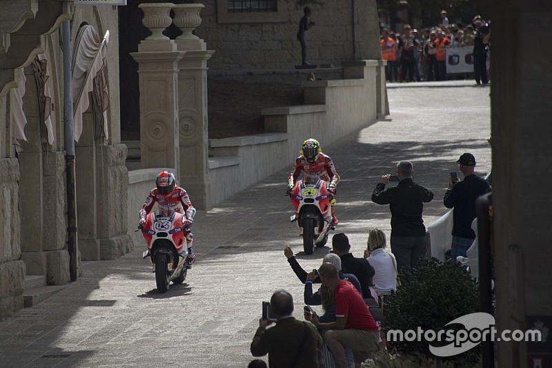 Ezpeleta dice que el MotoGP podría tener una carrera urbana