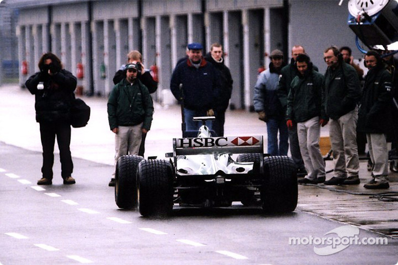 The Jaguar R2 leaving the pitlane