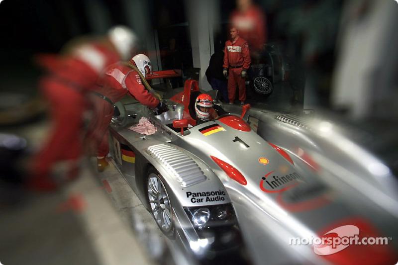 Emanuele Pirro en el Infineon Audi R8 #1