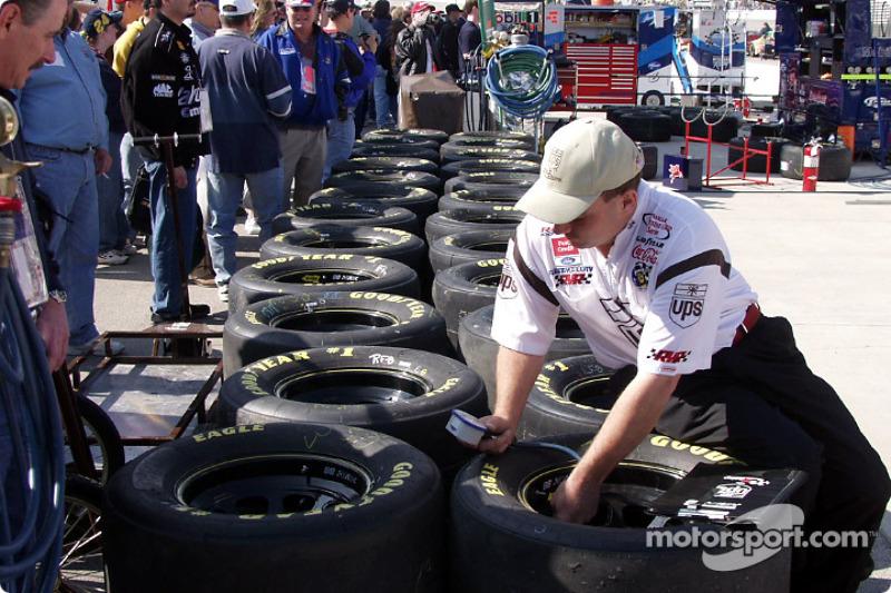 Pre-race tire prep