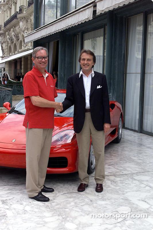 Signature of the agreement between Ferrari and Vodafone: Chris Gent and Luca di Montezemolo