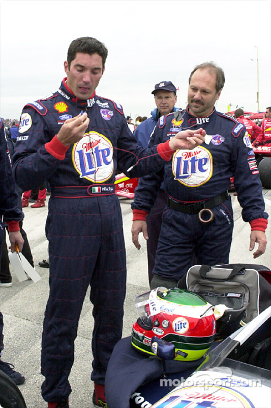 Max Papis, getting ready for the race
