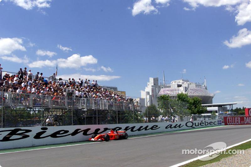 Rubens Barrichello really close to the wall