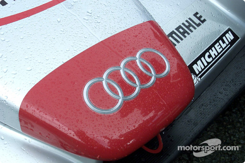 Rain in Le Mans on the Audi R8