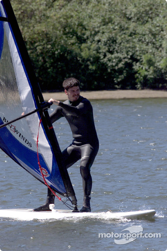 Columbia River Gorge: Patrick Carpentier on a windsurf