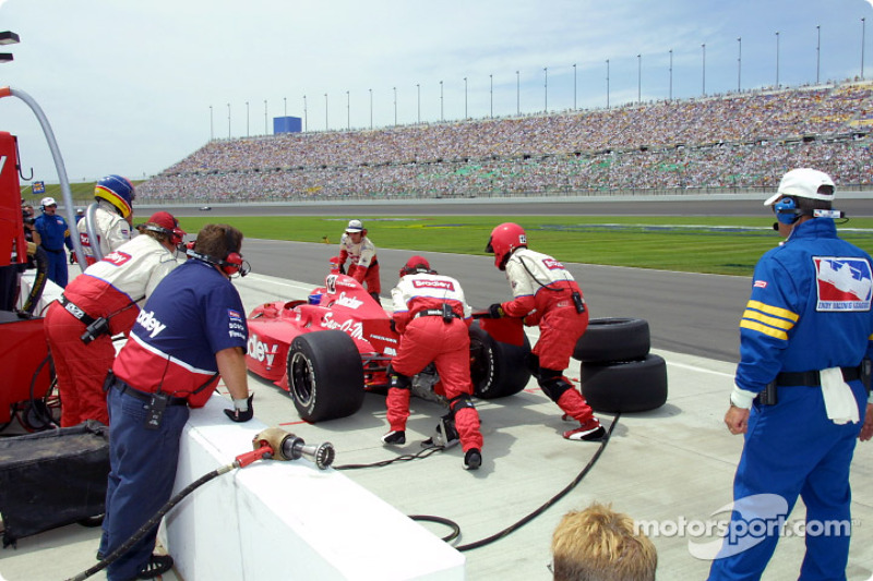 Pitstop for Buzz Calkins